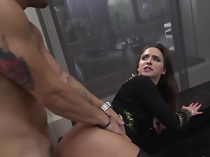 Horn-mad young girl harshly nailed in mouth, pussy increased by fanny